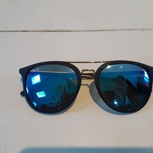 Excellent condition Raybans